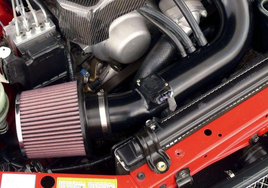Система фильтрации воздуха в двигателе