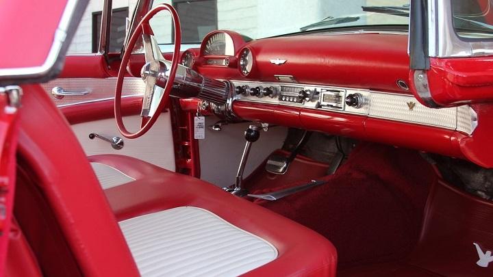 Какими были первые автомобильные аудиосистемы