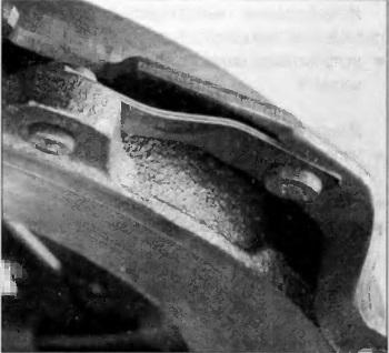 Деформация тангенциальных пластинчатых пружин