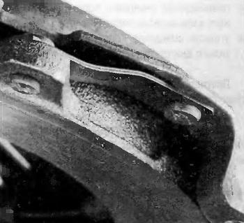 Деформация тангенциальной пластинчатой пружины